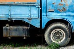 Gammal lastbilkropp med rostig hud, Closeup Arkivbild