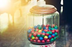 Gammal leksak som är färgrik av ägg royaltyfria bilder