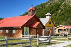 Gammal liten kyrka Arkivbild