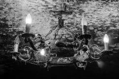 gammal ljuskrona Royaltyfria Bilder