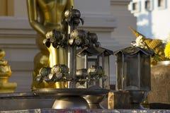 Gammal ljusstake som göras av rostfritt stål royaltyfria bilder