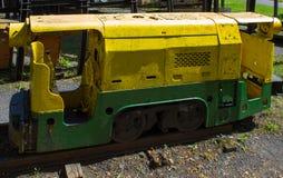 Gammal lokomotiv för att bryta kol arkivfoto
