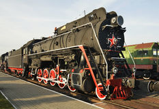 Gammal lokomotiv i järnväg museum Brest Vitryssland arkivfoto