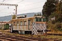 Gammal lokomotiv i Rumänien arkivbilder