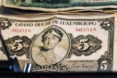 Gammal Luxembourg sedel 5 franc, hertiginna Charlotte fotografering för bildbyråer