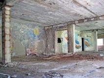 gammal målad tappning för byggnadskonstruktion inomhus Arkivbild