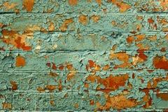Gammal målad tegelstenvägg. Royaltyfri Fotografi