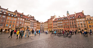 Gammal marknadsfyrkant i Warszawa Arkivbild