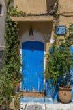 Gammal marockansk dörr Arkivfoto