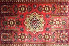 Gammal matta med nationellt orientaliskt Royaltyfria Bilder