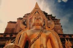 Gammal meditationBuddha, Thailand Arkivbild