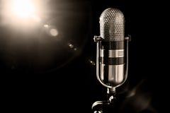 gammal mikrofon Royaltyfri Bild