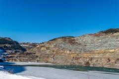 Gammal min sjö i vinterdag Arkivfoton