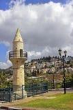 Gammal minaret i Safed, Israel Arkivbild