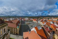 Gammal mitt i staden Jicin - Tjeckien Fotografering för Bildbyråer