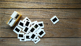 Gammal 35mm glidbanafilm med asken Arkivbild
