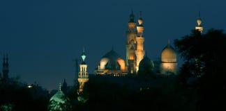 Gammal moské i cairo i Egypten på natten Arkivfoton