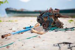Gammal motor, skadat icke tillgängligt Royaltyfri Foto