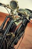 gammal motorcykel Royaltyfria Bilder