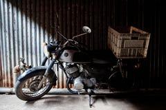 gammal motorcykel royaltyfri foto
