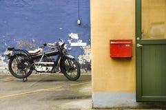 gammal motorcykel arkivbild