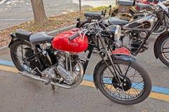 Gammal motorcykel Triumph 3H 350 cc (1942) Royaltyfri Foto