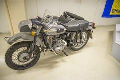 Gammal motorcykel, ural 1992 Arkivbilder