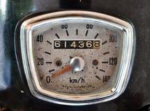 Gammal motorcykelhastighetsmeter Arkivfoto