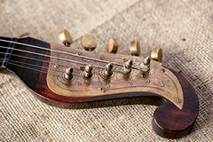 Gammal musikinstrumenttamburitza för detalj royaltyfria foton