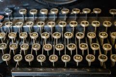 Gammal närbild för skrivmaskinstangentbord royaltyfri foto