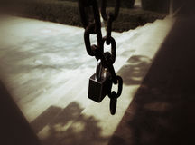 Gammal nyckel- fors i sepia Royaltyfria Foton