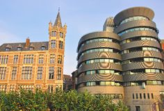 Gammal och modern arkitektur av Antwerpen, Belgien Royaltyfria Bilder