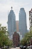 Gammal och modern byggnad Arkivbild