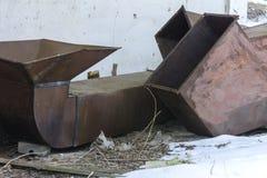 Gammal och rostig kasserad ventilation i övergiven Royaltyfri Fotografi