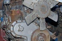 Gammal och rostig motor Fotografering för Bildbyråer