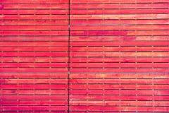 Gammal och skrapad träröd vägg Royaltyfria Foton