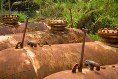 Gammal olja tank.2 Arkivfoto
