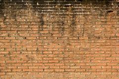 Gammal orange textur för tegelstenvägg Royaltyfri Fotografi