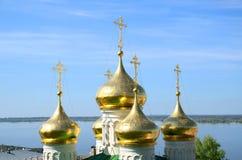 Gammal ortodox kyrka för ryss Royaltyfri Foto