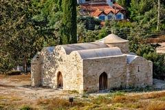 Gammal ortodox kyrka på Cypern Royaltyfria Bilder