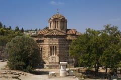 Gammal ortodox kyrka på marknadsplatsen, Aten, Grekland Royaltyfri Foto
