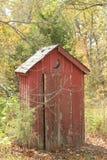 gammal outhouse Arkivfoton