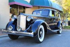 Gammal Packard åtta bil Royaltyfria Foton