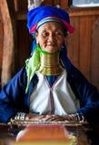 gammal padaungstamkvinna Royaltyfria Bilder