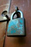 gammal padlock mycket royaltyfri foto