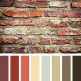 Gammal palett för tegelstenvägg Arkivfoto