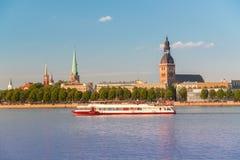 gammal panorama riga latvia Arkivfoto