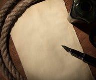 gammal paper penna Arkivbilder