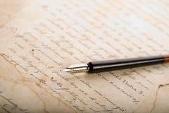 gammal paper penna Royaltyfri Bild