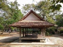 Gammal pavillion i den thailändska templet, Songkhla, Thailand Arkivfoton
